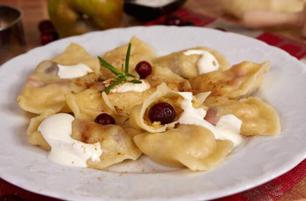Рецепты по четвергам. Вареники с яблоками (1)