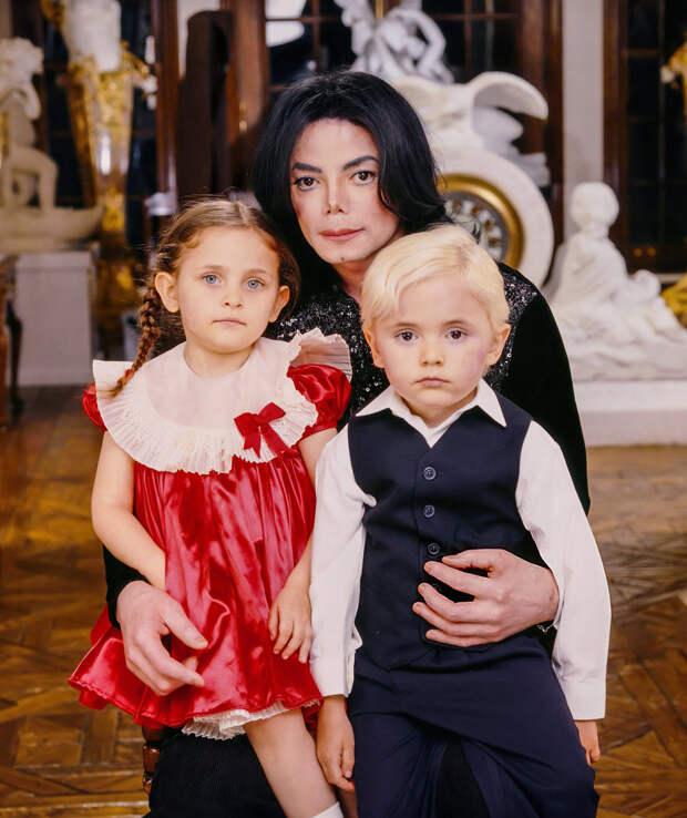 Майкл Джексон и дети Пэрис Майкл Кэтрин Джексон и Майкл Джозеф Джексон-младший