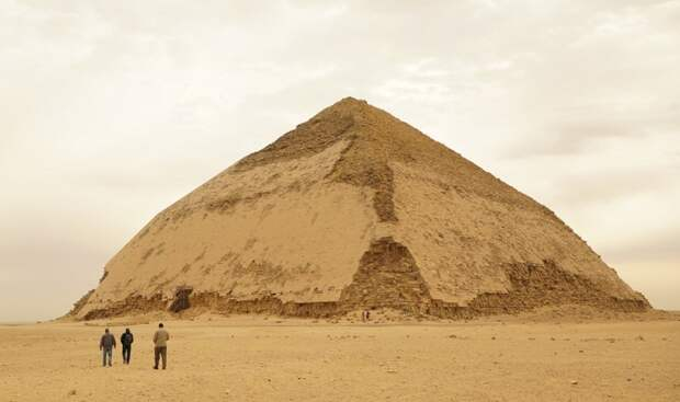 Одна из самых загадочных пирамид Египта