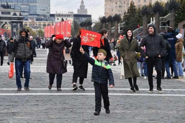 То увлекшись развенчанием культа Сталина, то боясь обидеть «братьев» и «союзников», мы не заметили, как шаг за шагом сдали свое главное достижение