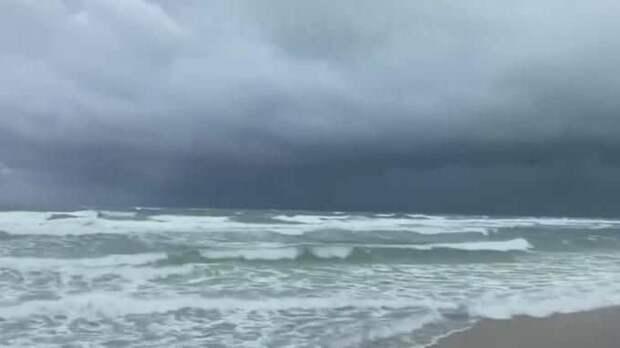 """Ураган """"Салли"""" у южного побережья США усилился до второй категории"""
