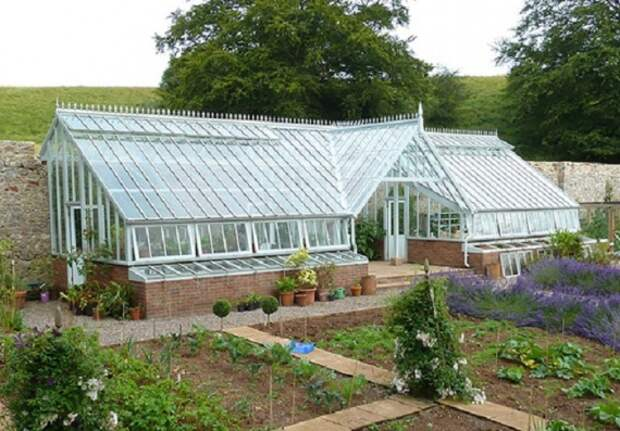 Органическое земледелие, пермакультура: подземная теплица на холме