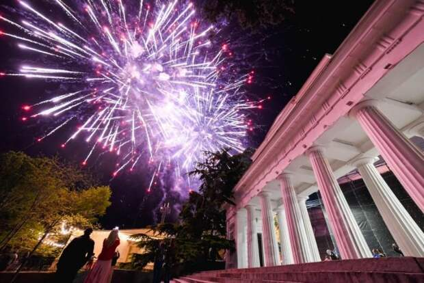 Празднование Дня Победы в Севастополе завершилось концертом и салютом
