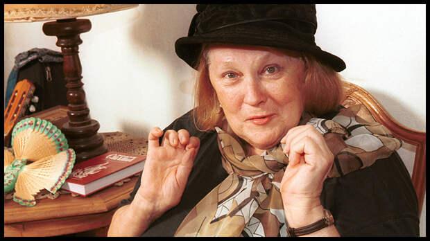 На 84-м году жизни скончалась актриса Людмила Иванова, которая известна по роли Шуры в фильме «Служебный роман».
