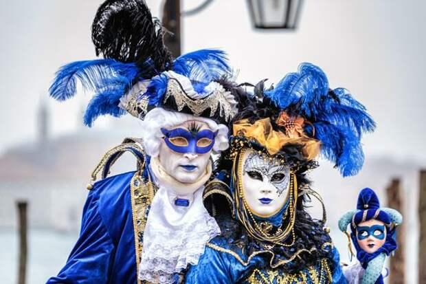 В Венеции стартовал знаменитый карнавал