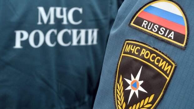 Из-за пожара на юго-востоке Москвы частично обрушилась кровля здания