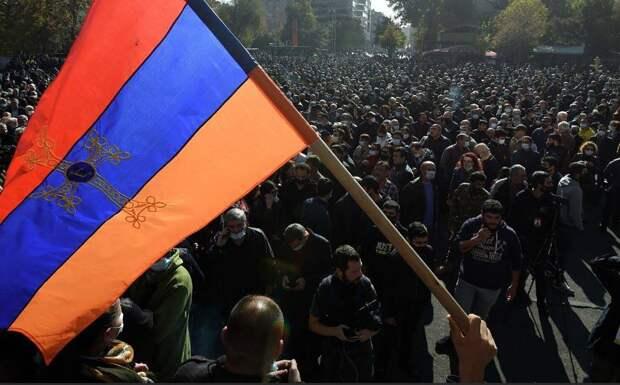 Политический кризис после перемирия в Карабахе и дорожная карта Пашиняна