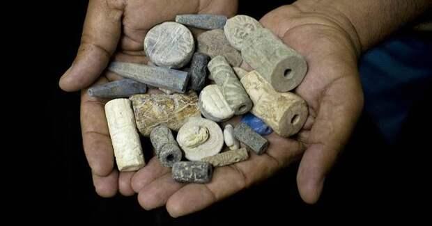 Соль, перья, ракушки: самые необычные деньги в истории человечества
