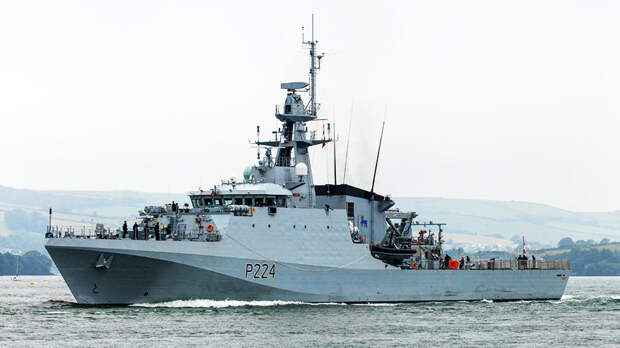 Британский военный корабль войдет в Черное море