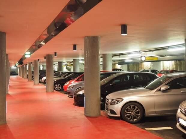 Город выставит на торги 35 парковочных мест возле телецентра «Останкино»