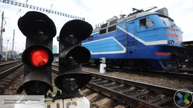 Неизвестные «псевдопатриоты» забросали камнями поезд Львов-Москва