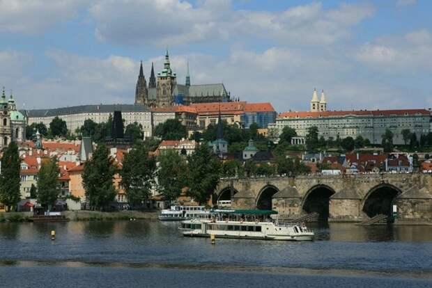 Власти Чехии сняли запрет на перемещения внутри страны и за её пределами