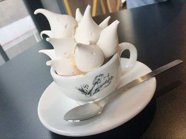 Замки из безе — новый сладкий тренд среди любителей кофе