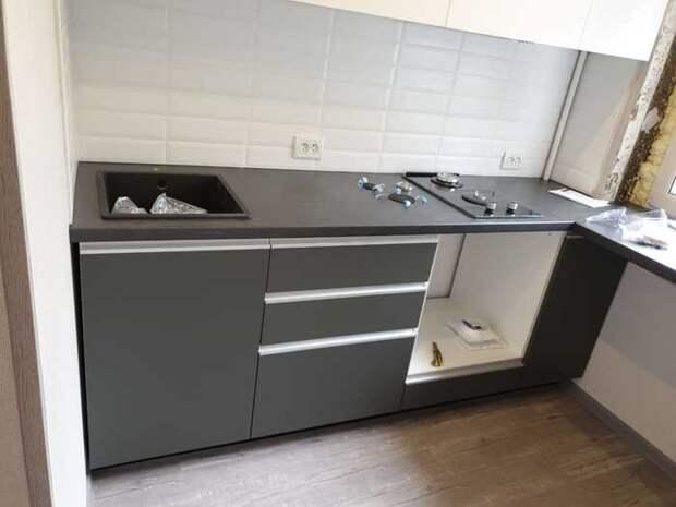 Маленькая кухня - 5,5 кв.м. До и после