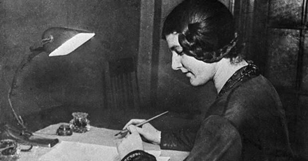 Как дворянка и декадентка Лариса Рейснер стала секс-символом Октябрьской революции