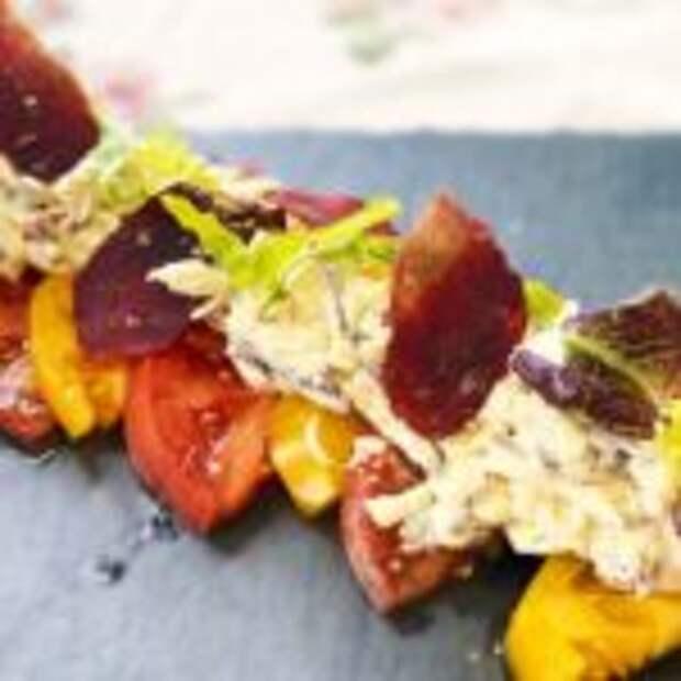 Потрясающая закуска – помидоры с сыром