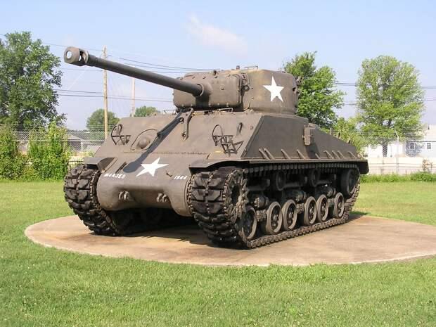 Танк «Шерман» — самый массовый американский танк времён Второй Мировой войны