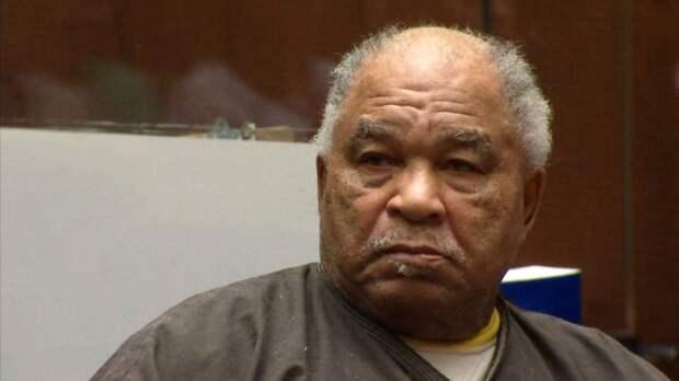 В Калифорнии скончался один из самых кровожадных серийных убийц в США