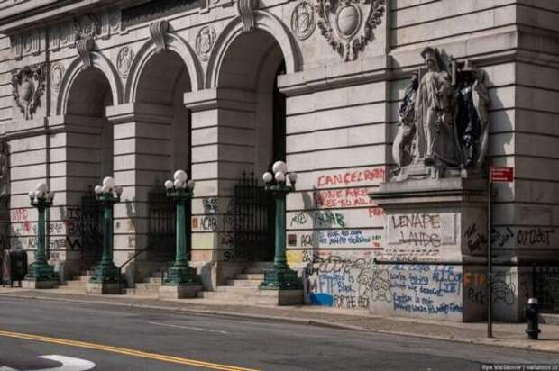 Мэр Нью-Йорка любит чёрных, но боится бомжей. Путевые заметки, день 2 (52 фото)
