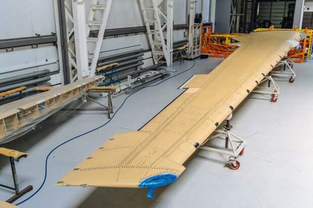 Авиастроители получили первую консоль крыла МС-21-300, выполненную из российских композиционных материалов