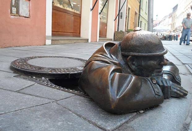 amazing-sculptures-25-57baeef3df005__880