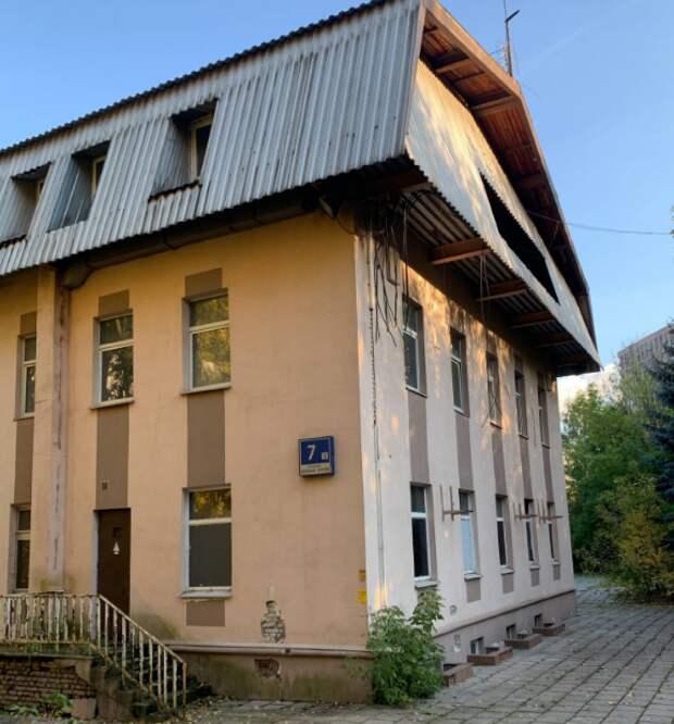 Помещение под офисы или отель на проспекте Маршала Жукова выставлено на торги