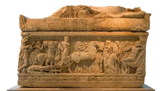 В Турции обнаружии саркофаг с Медузой Горгоной