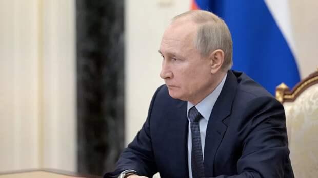 Путин оценил влияние длинных выходных на ситуацию с COVID-19