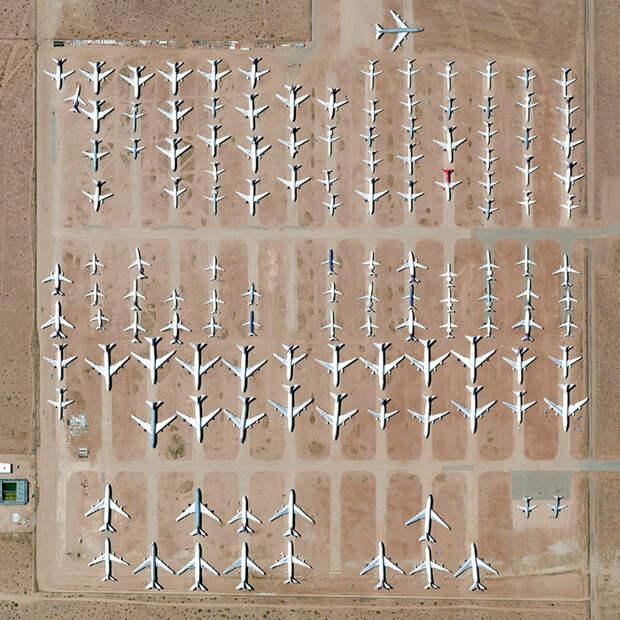 19. Аэропорт California Logistics, Викторвилль, Калифорния, США фото со спутника, фотограф Бенджамин Грант, фотографии