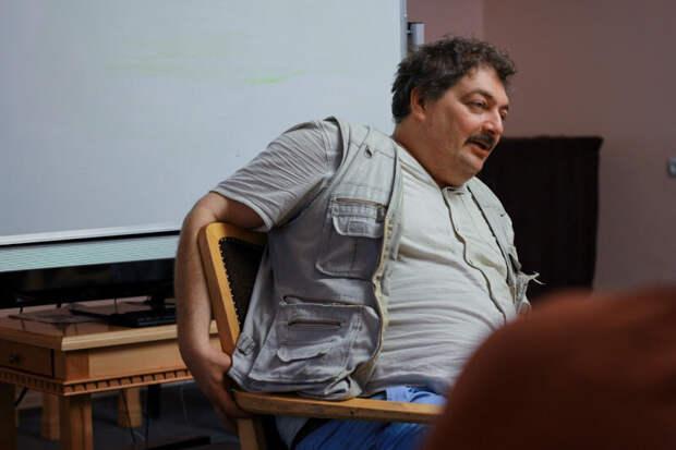Писатель Быков и власть - это отношения Карлсона с Фрекен Бок