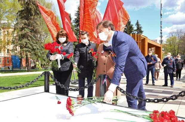 В преддверии Дня Победы в Капотне почтили память советских воинов