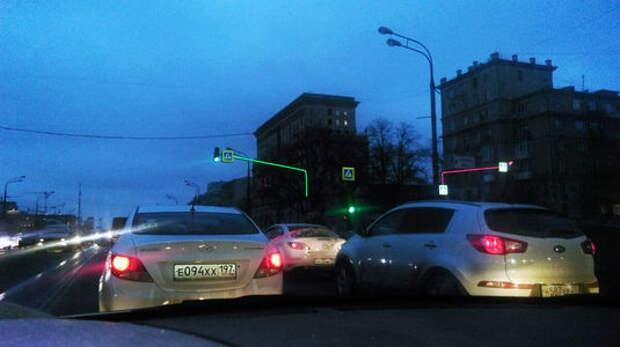 ЦОДД: еще на 54 пешеходных переходах появятся светящиеся опоры
