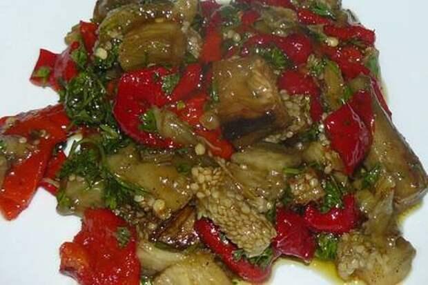 Холодная закуска из баклажанов с перцами