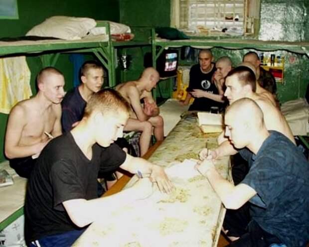 в-тюрьме-2