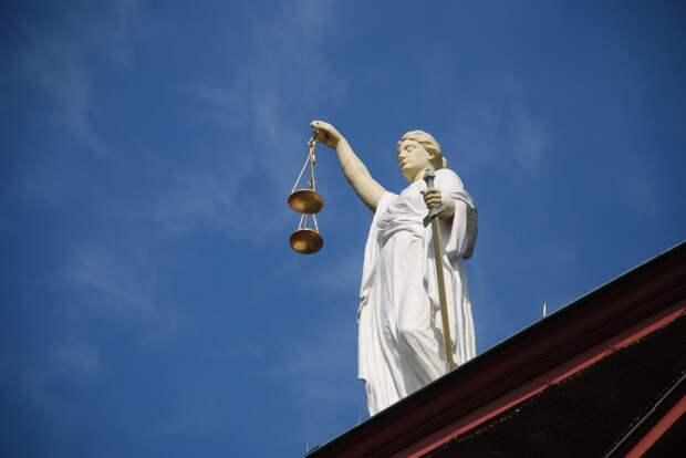 Суд в Крыму отпустил домой обвиняемого в смертельном ДТП полицейского