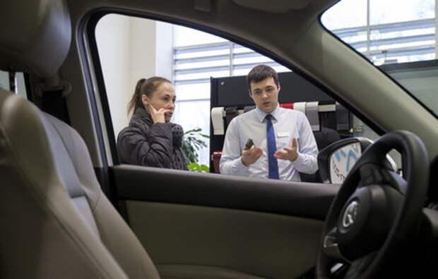 За автодержаву обидно: машины стали россиянам не по карману