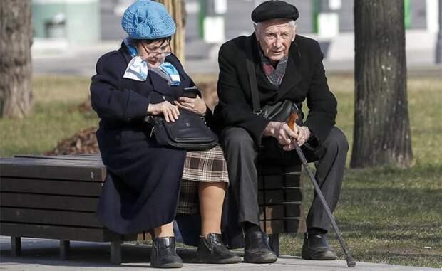 Этой осенью Путин будет вынужден отменить свою пенсионную реформу