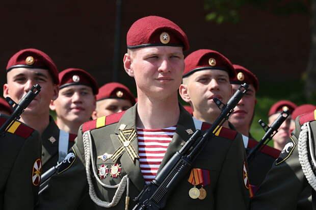 В России сегодня отмечается День войск национальной гвардии!