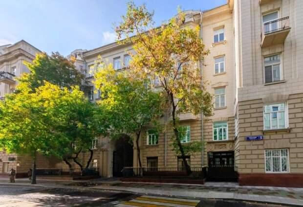 Гешефт пропагандиста. Замдиректора Первого канала купил квартиру за $3 млн и элитный особняк. Его фирма была подрядчиком госканала - «Корупция»