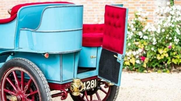 Один из первых автомобилей, выставлен на аукцион