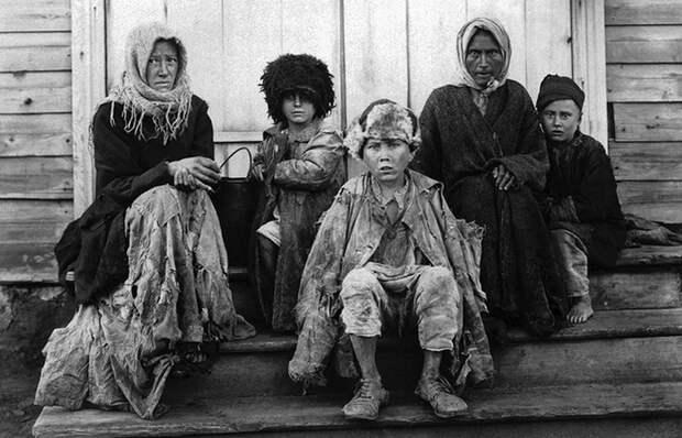 Шваль: кого данным словом называли на Руси в старину, и как оно стало бранным