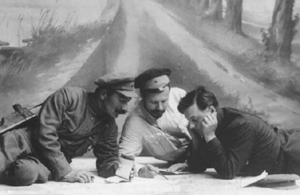 Михаил Фрунзе: зачем он набирал в Красную армию царских офицеров