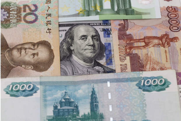 Россия отказывается от доллара, закупает юани и увеличивает золотой запас