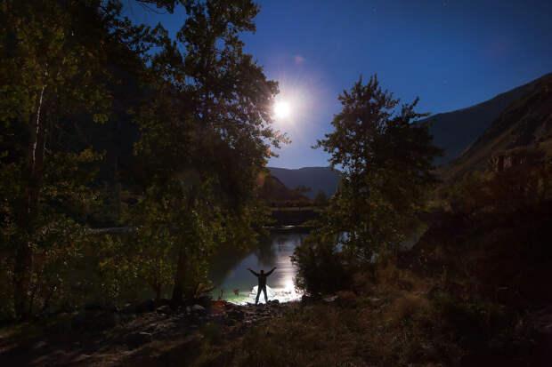 Ночь на берегу Чулышмана! (увеличьте фото)