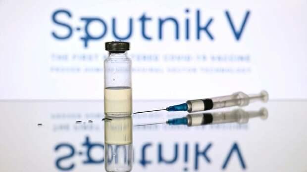 Четвертый по счету регион России объявил обязательную вакцинацию части работников