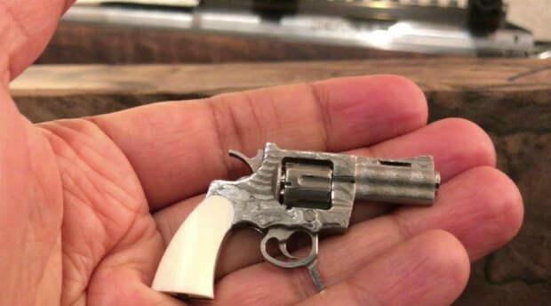 Пистолеты, которые помещаются даже в карман рубашки