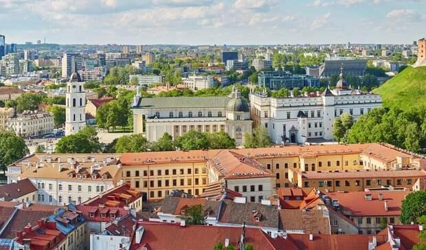 Литва заявила о готовности выслать российских дипломатов в солидарность с Чехией