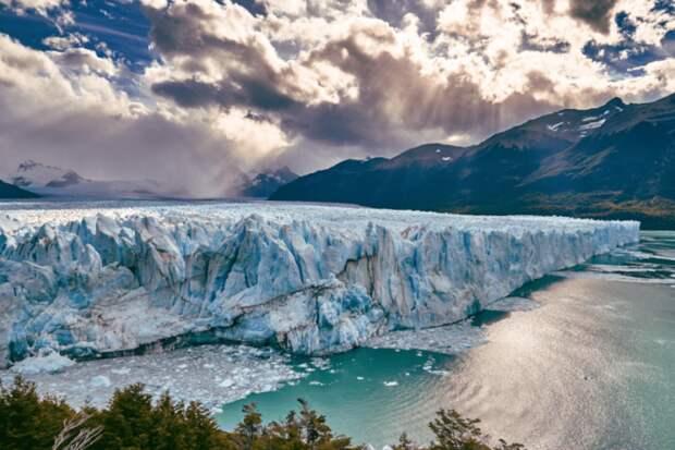Ледник Перито-Морено растёт со скоростью почти два метра в день