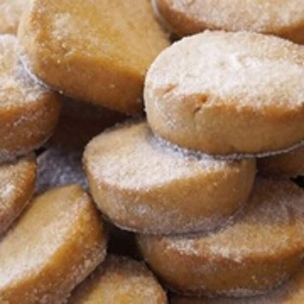 Фото приготовления рецепта: Печенье рассыпчатее всех рассыпчатых печений! Очень Вкусное!