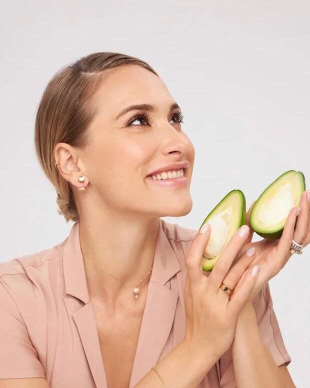 Маскировка и терпение: Мария Кравцова рассказала, как уговорить детей есть овощи